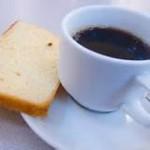 koffie met cake in crematorium