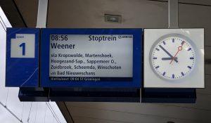 Met de trein naar een afscheidsbijeenkomst...